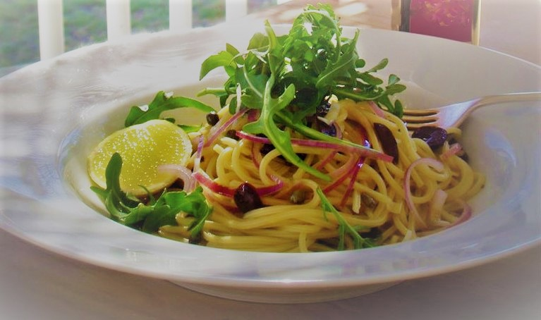 spaghetti with wild rocket